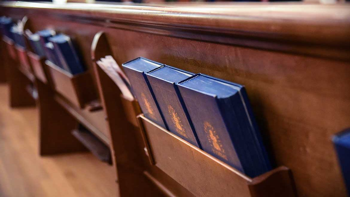3 Hymn Stories to Lift Your Spirits